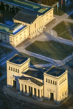 Aerial view of Königsplatz in Munich with the Propylaea and the Glyptothek in the evening light - Klaus Leidorf Aerial Photography