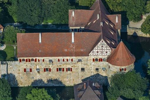 Aerial view of Kunreuth Castle - Klaus Leidorf Aerial Photography