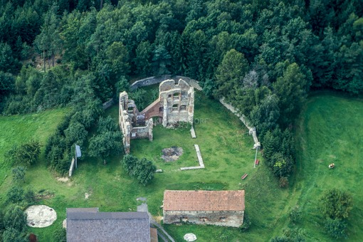 Aerial view of the Haibach castle ruins - Klaus Leidorf Aerial Photography