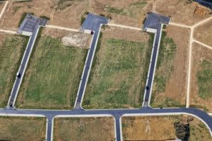 Aerial view of the development of a new development area in Ergoldsbach - Klaus Leidorf Aerial Photography