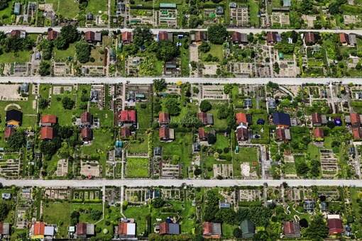Aerial view of the allotment garden on Wallberbergweg in Landshut - Klaus Leidorf Aerial Photography