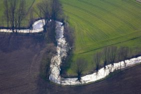 Aerial view of the Sempt near Aich in backlight - Klaus Leidorf Aerial Photography