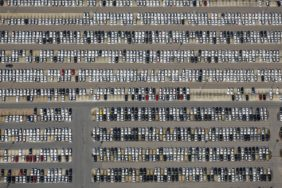 Aerial view of the delivery warehouse for BMW vehicles in Regensburg-Harting - Klaus Leidorf Aerial Photography