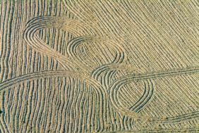 Aerial photograph of traces of agricultural cultivation of the soil - Klaus Leidorf Aerial Photography