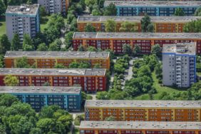 Aerial view of apartment blocks in Munich-Neuaubing - Klaus Leidorf Aerial Photography