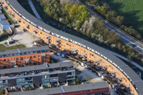 Aerial view of apartments in Munich-Riem - Klaus Leidorf Aerial Photography