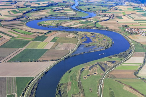 Aerial view of the Danube near Aholfing - Klaus Leidorf Aerial Photography