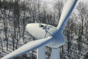Aerial view of the wind turbine on the Fröttmaninger Müllberg - Klaus Leidorf Aerial Photography