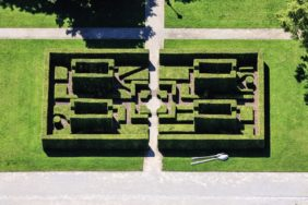 Aerial view of a hedge labyrinth at the BUGA 2005 - Klaus Leidorf Aerial Photography