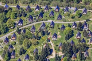 Aerial view of holiday homes in Saaldorf near Bad Lobenstein - Klaus Leidorf Aerial Photography