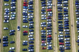 Aerial view of the event parking lot on a meadow at the garden festival in Fürstenfeldbruck - Klaus Leidorf Aerial Photography