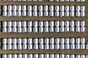 Aerial photograph of the refugee camp in the Gäuboden barracks in Feldkirchen near Straubing - Klaus Leidorf Aerial Photography