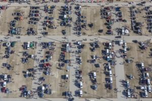Aerial view of the flea market at the trade fair car park in Munich-Riem - Klaus Leidorf Aerial Photography