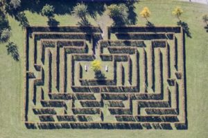 Aerial view of the hedge labyrinth in the spa gardens of Bad Windsheim - Klaus Leidorf Aerial Photography