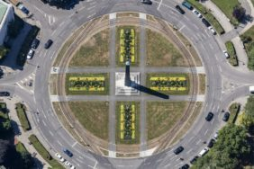 Aerial view of Karolinenplatz in Munich-Maxvorstadt - Klaus Leidorf Aerial Photography