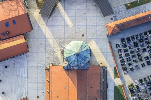 Aerial view of the steeple of the parish church in Vilsbiburg - Klaus Leidorf Aerial Photography