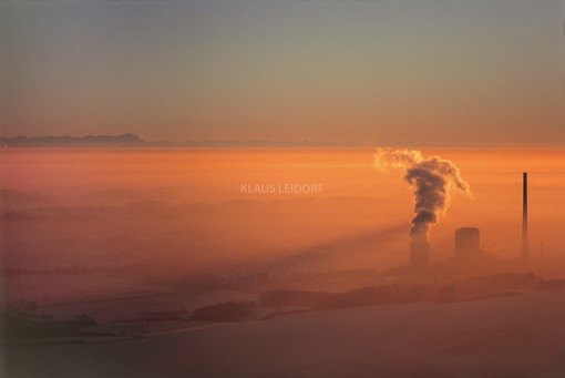 Aerial view of the Zolling coal-fired power station in the evening light - Klaus Leidorf Aerial Photography