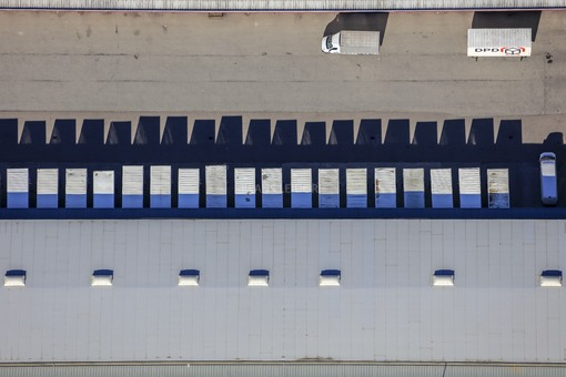 Aerial view of the logistics centre of a parcel service - Klaus Leidorf Aerial Photography