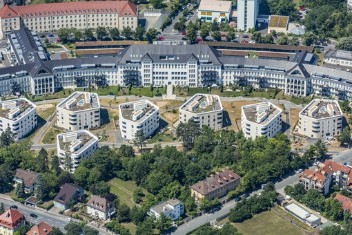 Aerial view of Mönchbergpark in Würzburg - Klaus Leidorf Aerial Photography