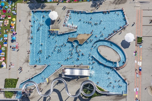 Aerial view of the Passau adventure pool - Klaus Leidorf Aerial Photography