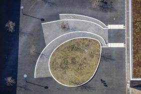 Aerial view of the playground of the vocational school in Messestadt Riem - Klaus Leidorf Aerial Photography