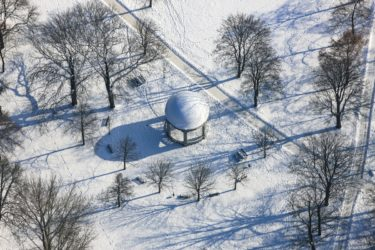 Aerial view of the round pavilion, open music pavilion from 1903 in Landshut at the Hans-Walch-Weg - Klaus Leidorf Aerial Photography