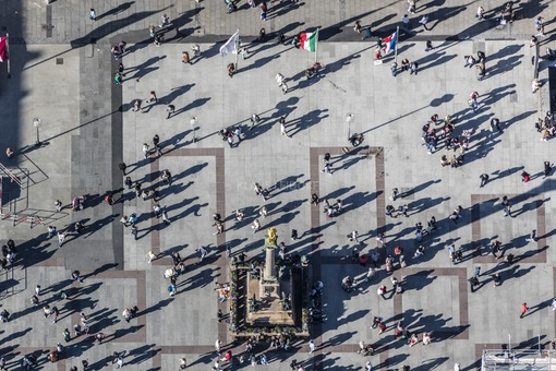 Aerial view of the activity on the Marienplatz in Munich - Klaus Leidorf Aerial Photography