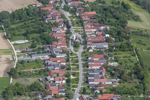 Aerial view of the village Baiershofen - Klaus Leidorf Aerial Photography