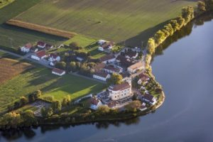 Aerial view of Eching in the evening light - Klaus Leidorf Aerial Photography