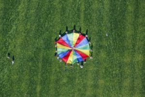 Aerial view of children of the Martin-Kneidl-Volksschule at the school festival - Klaus Leidorf Aerial Photography