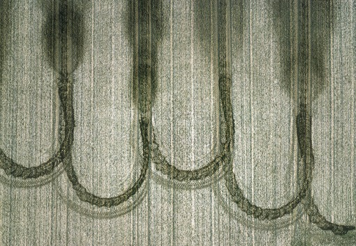 Aerial photograph of traces of fertilisation on a field - Klaus Leidorf Aerial Photography