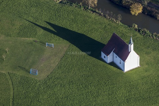 Aerial view of the church in Vilssöhl - Klaus Leidorf Aerial Photography