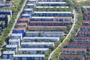 Aerial view of blocks of flats at the Cusanusstraße in Ingolstadt - Klaus Leidorf Aerial Photography