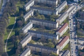 Aerial view of apartment blocks in Munich-Fürstenried - Klaus Leidorf Aerial Photography