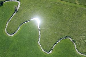 Aerial view of the curves of the Erlacher Bach near Büchelberg - Klaus Leidorf Aerial Photography