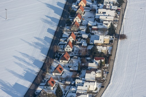 Aerial view of the Alpenblickstraße in Poing - Klaus Leidorf Aerial Photography