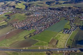 Aerial view of the B15neu before Ergoldsbach - Klaus Leidorf Aerial Photography