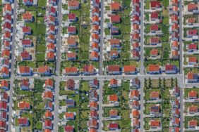 Aerial view of the new single-family house settlement in Regensburg-Burgweinting - Klaus Leidorf Aerial Photography