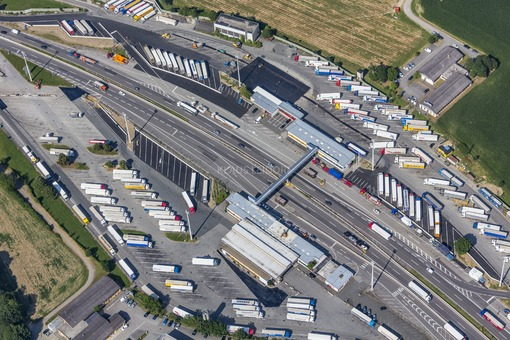Aerial photograph of the border inspection post Suben between Germany and Austria on the Innkreis motorway - Klaus Leidorf Aerial Photography