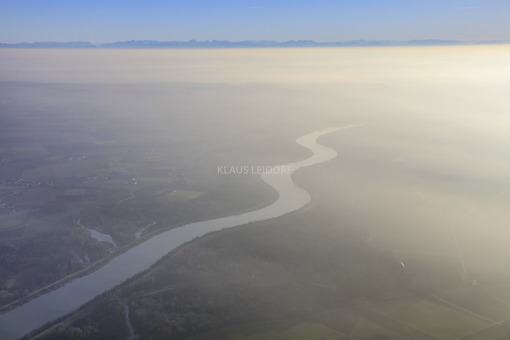 Aerial view of the Isar in the haze in front of an alpine panorama - Klaus Leidorf Aerial Photography