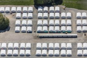 Aerial photograph of the emergency accommodation for refugees at the Gäuboden barracks in Feldkirchen-Mitterharthausen - Klaus Leidorf Aerial Photography