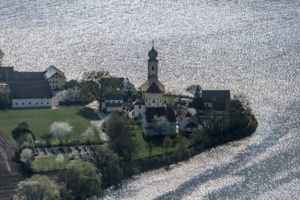 Aerial view of the parish church St. Johann Baptist in Eching - Klaus Leidorf Aerial Photography