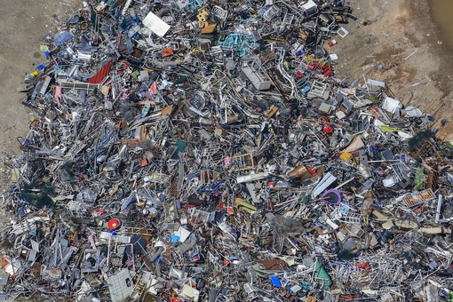Aerial view of the Spitzelberg residual waste landfill of the Landshut district - Klaus Leidorf Aerial Photography