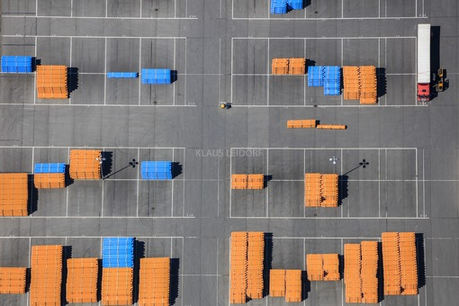 Aerial view of a warehouse for plastic pipes in Viechtach - Klaus Leidorf Aerial Photography