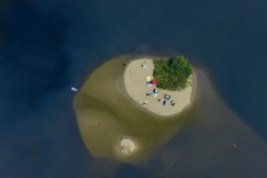 Aerial view of an island in the Main near Volkach-Fahr - Klaus Leidorf Aerial Photography