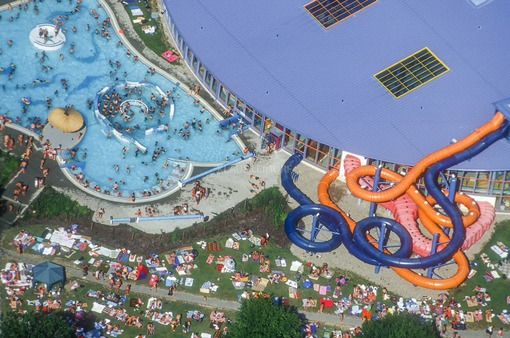Aerial view of the well-frequented Daonaubad waterpark in New-Ulm, Bavaria - Klaus Leidorf Aerial Photography