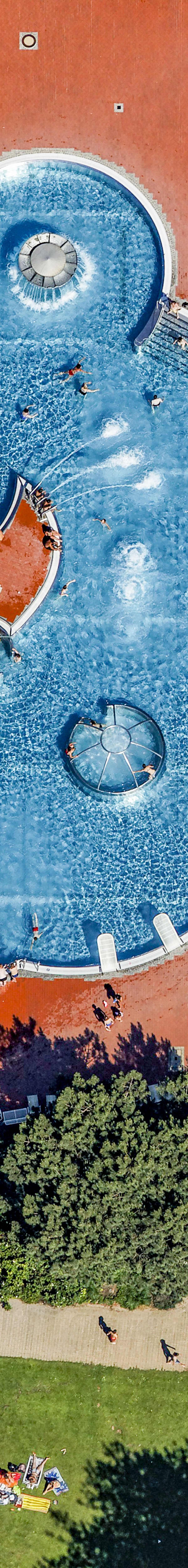 Aerial view of the Westbad waterpark in Regensburg - Klaus Leidorf Aerial Photography