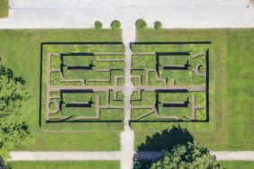 Aerial view of the Topiary sculpture in front of the Kallmann museum in Ismaning - Klaus Leidorf Aerial Photography