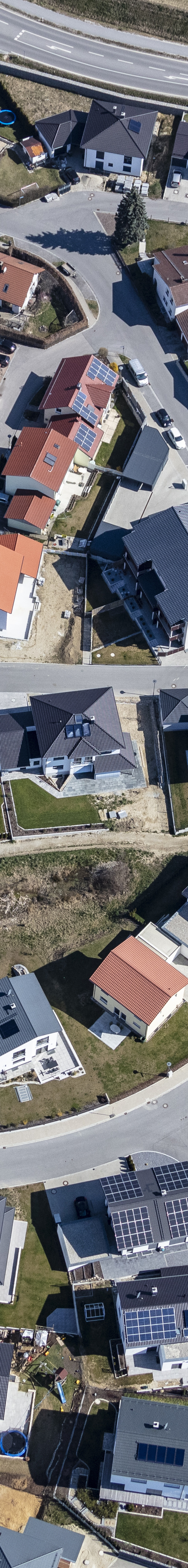Aerial view of a newly built housing estate in Geisenhausen - Klaus Leidorf Aerial Photography