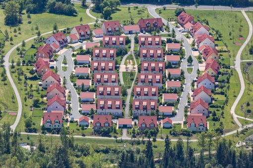 Aerial view of a newly built housing estate in Netzaberg, Neustadt - Klaus Leidorf Aerial Photography